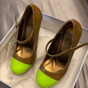 Lime green tip/ nude Mary Jane pumps